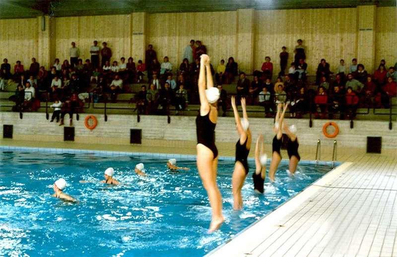 Cant corsi e nuoto libero in piscina aumenta tutto - Piscina trezzano sul naviglio nuoto libero ...