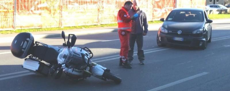 Cantù, auto contro moto Un ferito a Mirabello - La Provincia di Como