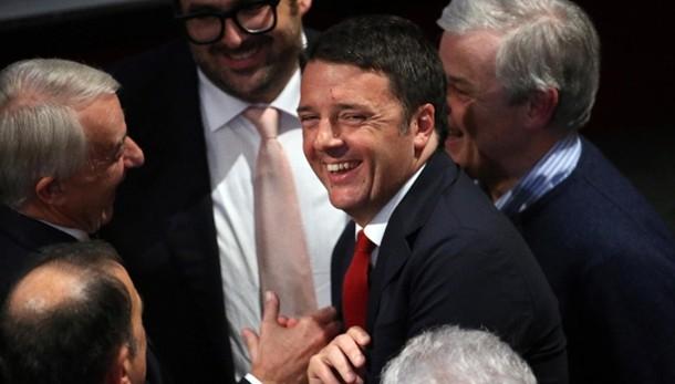 Governo: Renzi, 2 anni fa Italia ferma ora su strada giusta