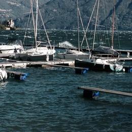 Barche abbandonate all'asta  Si comprano con 300 euro