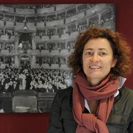 Su il sipario al Teatro Sociale  Minghetti: «Casa comune»