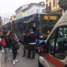 Como, altra studentessa  investita da bus  in via Milano  Salvata dallo zaino?