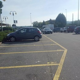Lite per il parcheggio riservato  Picchiato il titolare di un negozio