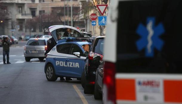 Milano, a 3 anni veglia per 24 ore madre morta