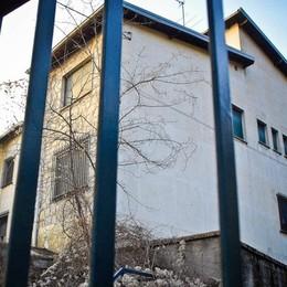 Profughi a Cavallasca   Centro di accoglienza nell'ex caserma