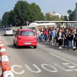Mariano, strada pedonale  tra Monnet e stazione