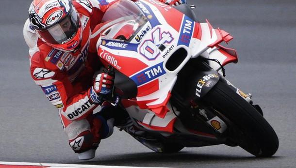 MotoGp, Australia: pole Marquez, affonda Yamaha: Lorenzo 12°, Rossi 15°