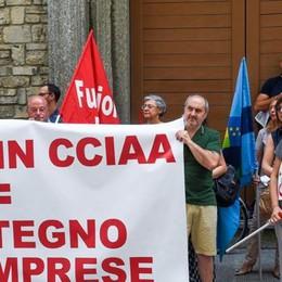 I dipendenti: «Unite subito  le Camere di Como e Lecco»