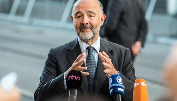 Ue, da Moscovici ricatto referendum?