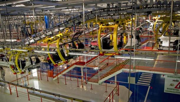 Produzione industriale, Istat: altra flessione