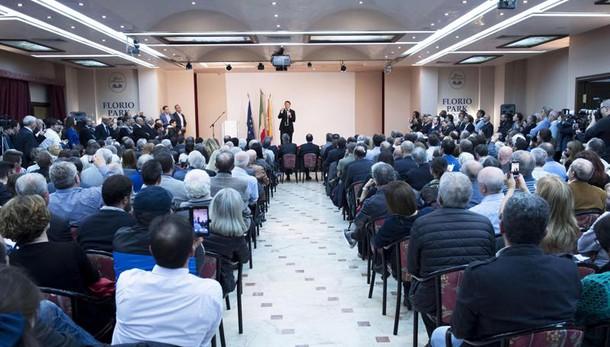 Enews monotematica Renzi: al referendum giochiamocela senza paura
