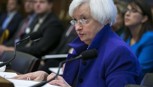 Fed: tassi fermi fra 0,25% e 0,50%