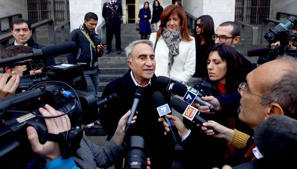 Il giornalista è accusato di bancarotta fraudolenta insieme a Lele Mora