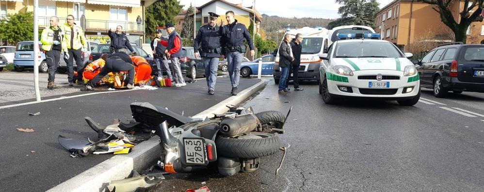 Como, suv contro scooter Un ferito in via Varesina