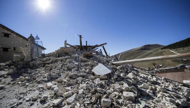 Cronaca - Terremoto, Norcia, crolla la cattedrale