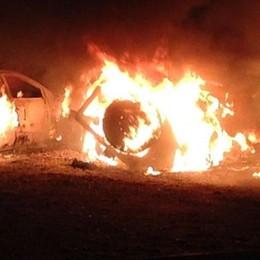 Como, tre auto incendiate  Si ipotizza il dolo. IL VIDEO