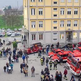 Quanti pompieri per un giorno Folla per la festa di S.Barbara