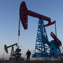 Petrolio: chiude in calo a Ny, 27,45 dlr