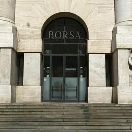 Borsa Milano chiude seduta nera, -4,6%