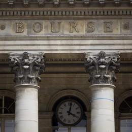 Borsa: per Parigi seduta pessima, -3,2%