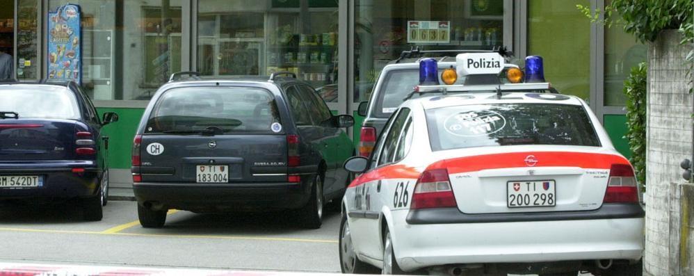 Rapinatore in Svizzera, residenza in Italia