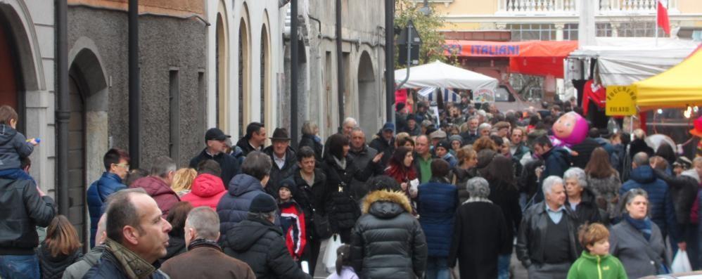 Fiera di San Giuseppe a Uggiate  In diecimila ra le bancarelle