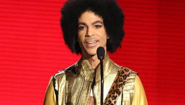 Prince, disposta perquisizione nella casa della morte