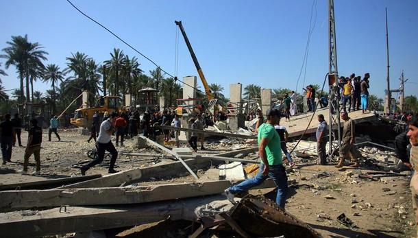 Baghdad, esplode autobomba almeno 17 morti e 38 feriti