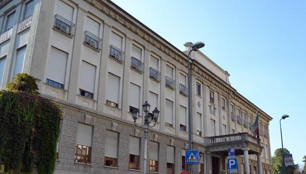 Milano, donna incinta di 2 gemelli muore in ospedale
