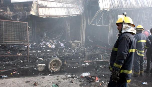 Iraq: 14 morti a Baghdad per 2 attacchi kamikaze
