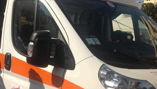 Firenze, trovati morti due trentenni. Accoltellati in auto, ipotesi omicidio-suicidio