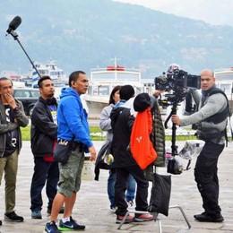 A Como le star del cinema filippino: riprese in centro