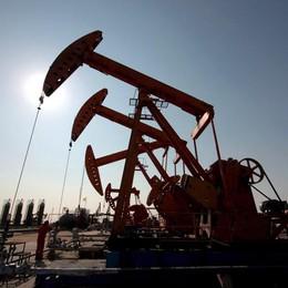 Petrolio: in calo a 45,52 dollari