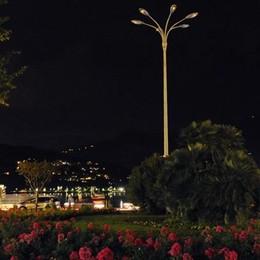 Piazza Cavour, sale l'acqua  e si spengono i lampioni