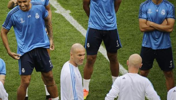 Champions, bookie scatenati quotano la testata di Zidane a Simeone