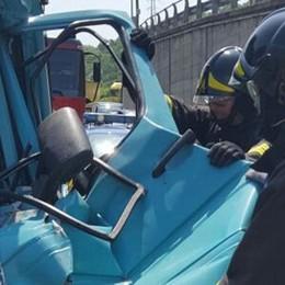 Incidente in autostrada, tre feriti  A9 riaperta,  caos traffico