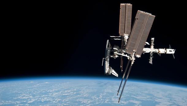 Prima connessione via Facebook fra la Terra e la Stazione Spaziale