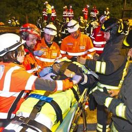Disastro ferroviario Le foto dei soccorsi