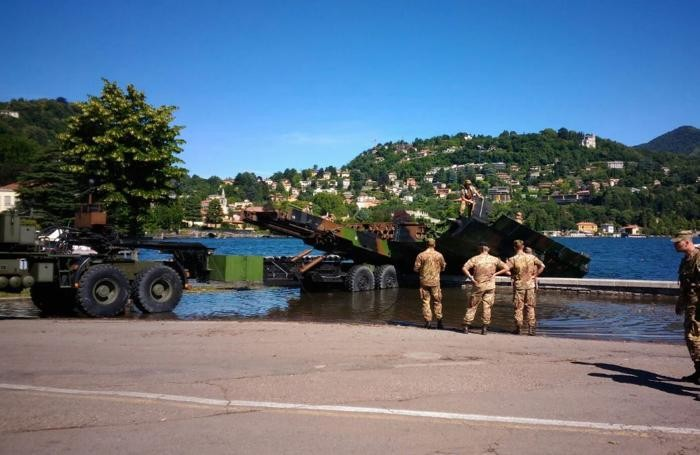 esercitazione Odescalchi 2016 ponte militare (foto Comune di Como)