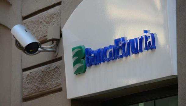 Banca Etruria, ad Arezzo tre indagati per bancarotta: anche l'ex presidente