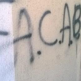 Asso, vandali al centro sportivo  La sede imbrattata dai writer