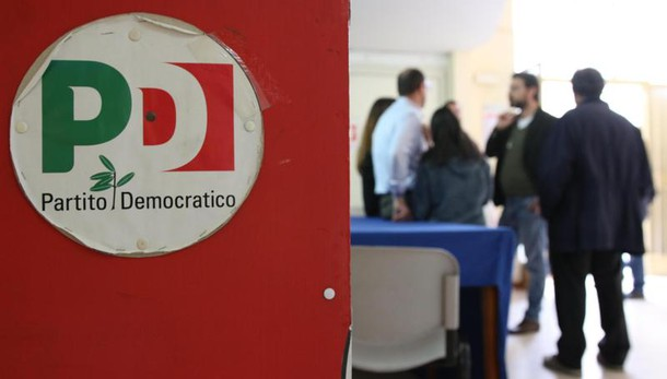Napoli, perquisiti due comitati del Pd, due indagate per corruzione elettorale