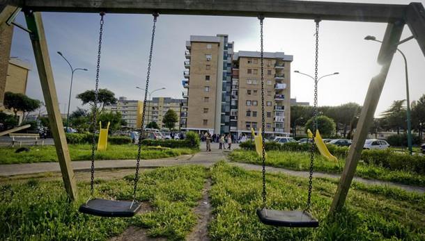 Presunto assassino bimba Parco Verde di Caivano, ingerisce una lametta in carcere