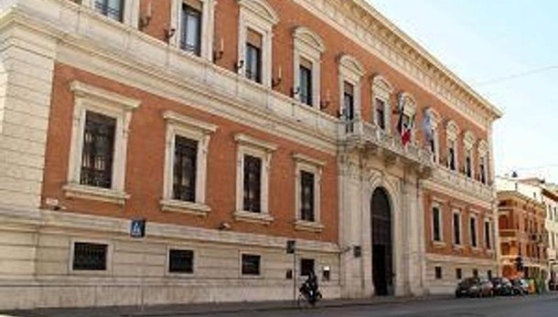 Carife: Gdf perquisisce 4 banche, indagati salgono a 21