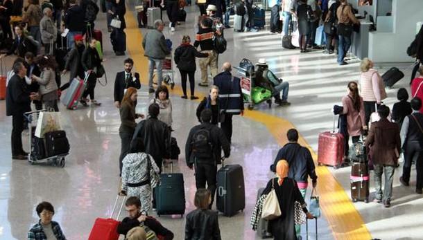 Trasporto aereo, ministero rinvia lo sciopero: