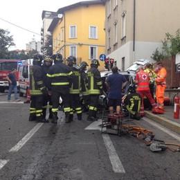 Cantù, incidente in via Milano  Feriti tre ragazzini e due adulti
