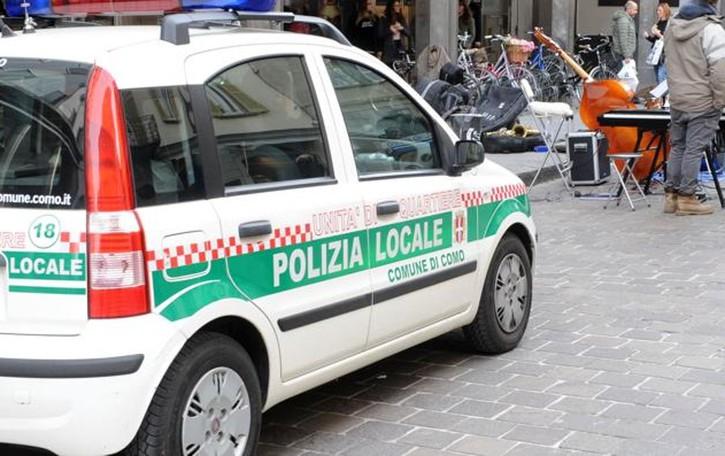 Como, automobilista ubriaco  A tutta velocità nella Ztl  Maxi multa e patente ritirata