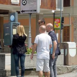 Il Comune avvisa gli automobilisti  «Parcometri vecchi, si paga lo stesso»