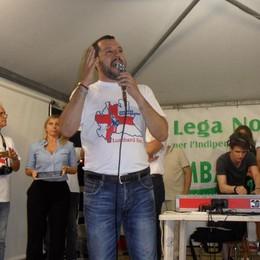 «Sosia» di una bambola gonfiabile  Boldrini contro Salvini: «Sessista»   VIDEO