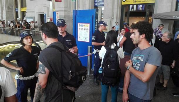 Milano, allarme bomba: evacuata la fermata Centrale della metro